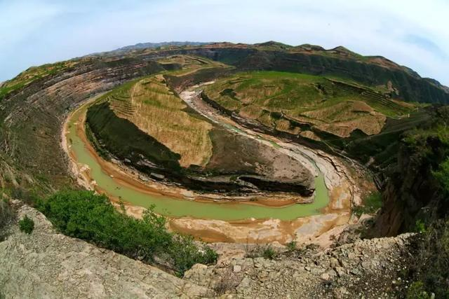 陕北清涧鬼方遗址不远处就是流入黄河的无定河